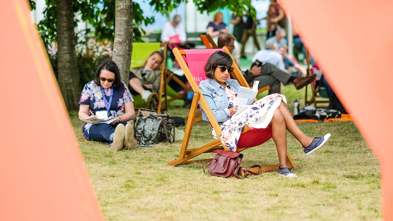 Hay Festival 2019 – Reader in deckchair