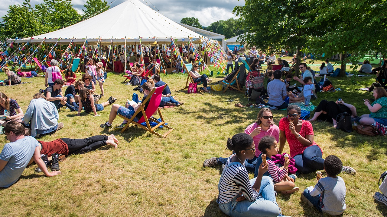 Ice creams in the sun on Hay Festival site