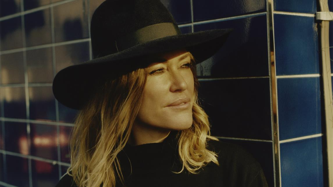 Cerys Matthews to switch on Hay Christmas Lights