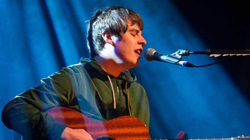 Jake Bugg rocks the crowd with an intimate acoustic set at the Hay Festival