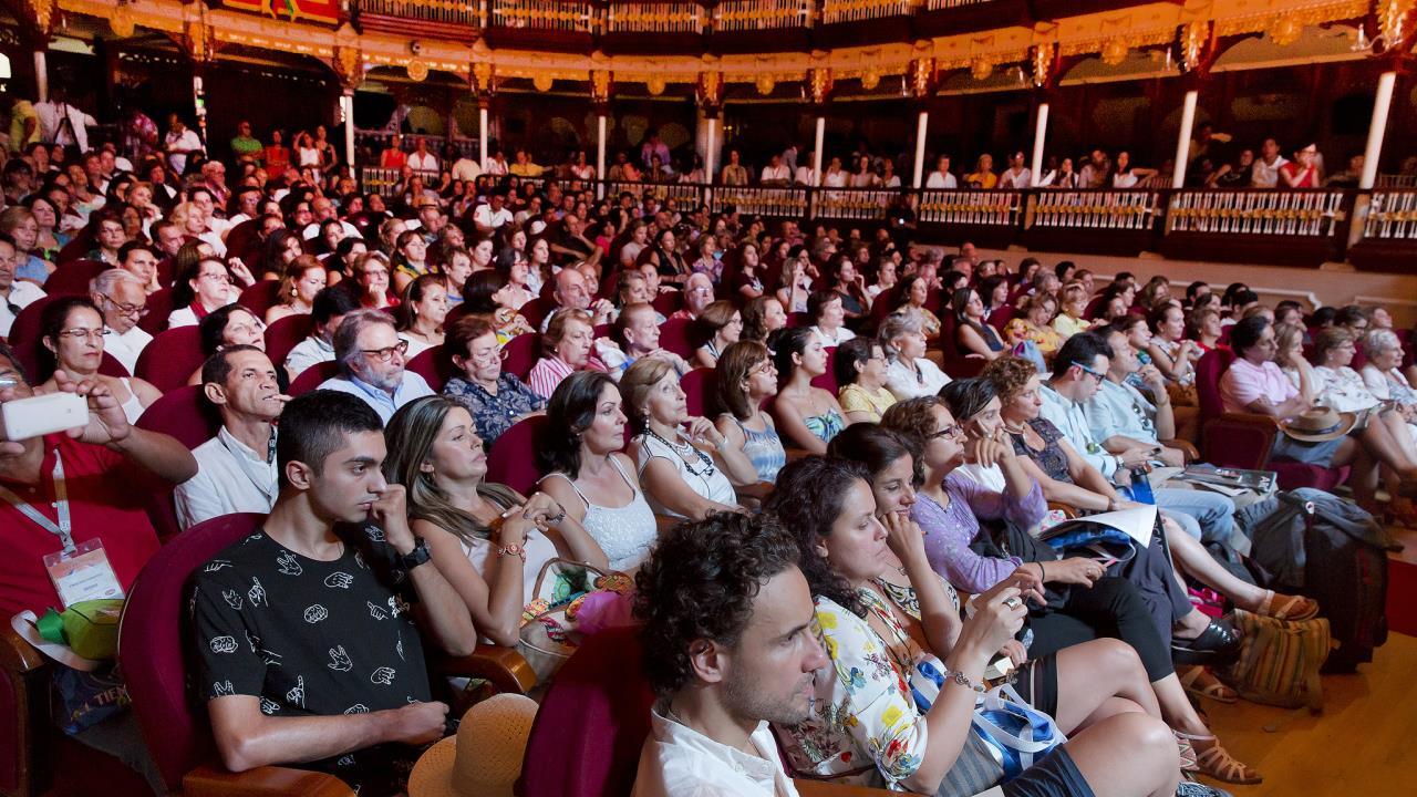 Resultado de imagen para hay festival cartagena 2017 conversatorios teatro heredia