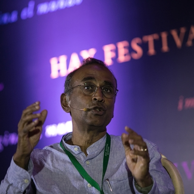 Gene Machine. Venki Ramakrishnan in conversation with Antonio Lazcano