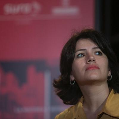 Sabrina Duque, Luz Mely Reyes y Natalia Viana en conversación con Jaime Abello Banfi