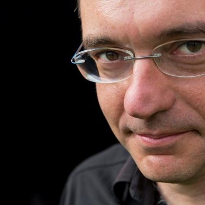 Xavi Ayén en conversación con Santiago Gamboa