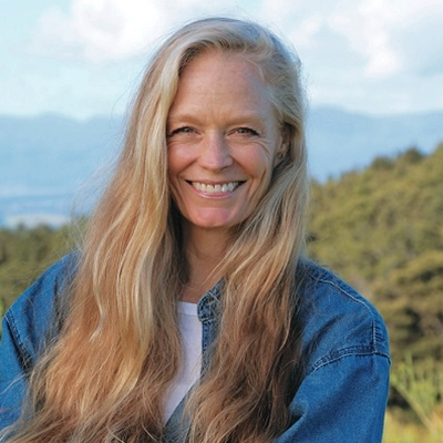 Suzy Amis Cameron in conversation with Peter Florence