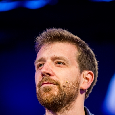 Alex Beard en conversación con Niurka Rignack