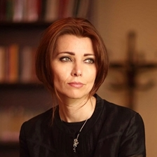 Elif Shafak talks to Rosie Goldsmith