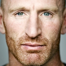 Gareth Thomas talks to Mike Calvin
